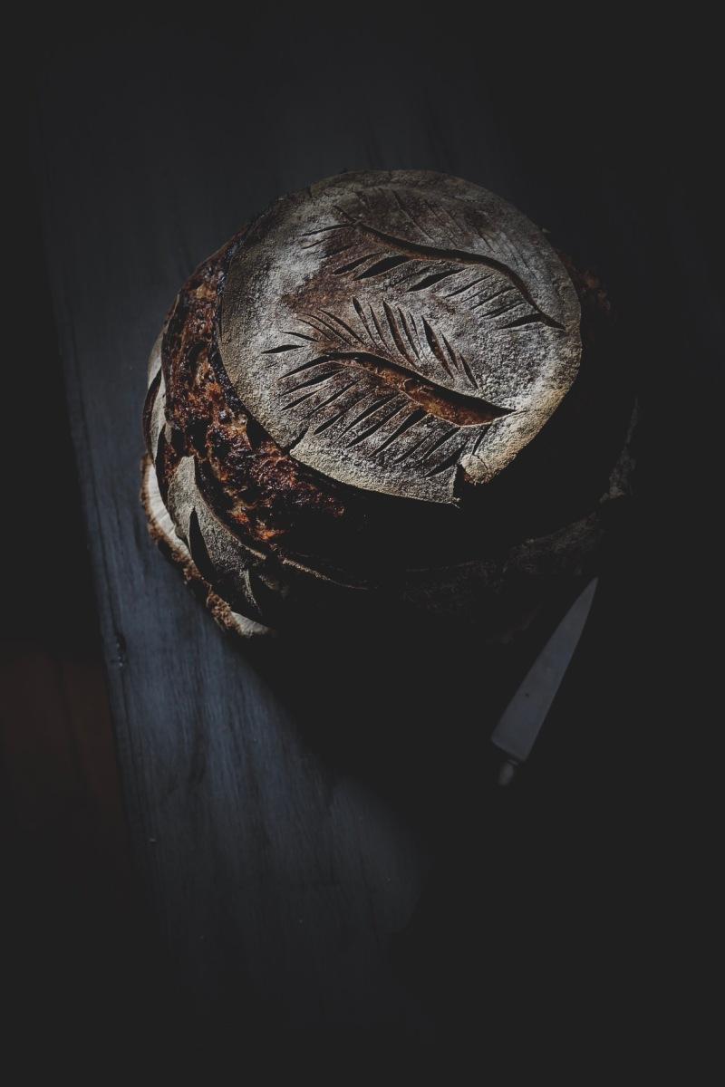 Pain au levain dur, graines torréfiées et farine de meule