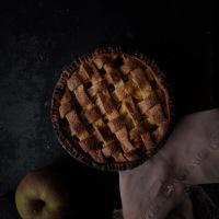 Tourte épicée au sarrasin et pommes confites