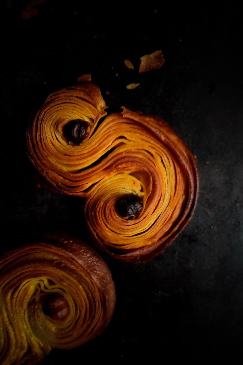 Lussekatter, brioches de Noël suédoises au safran